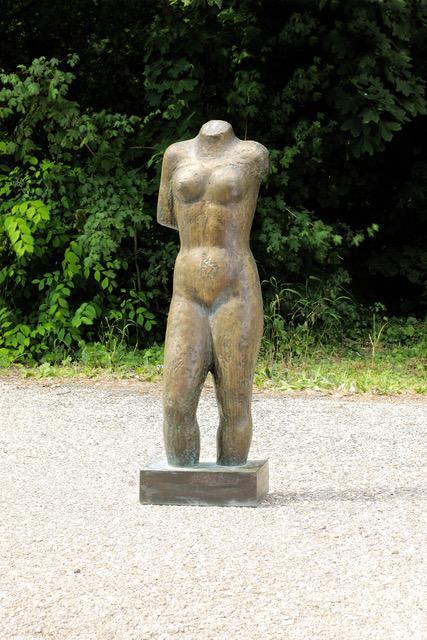 Annemarie Avramidis in der Galerie Weihergut in Salzburg