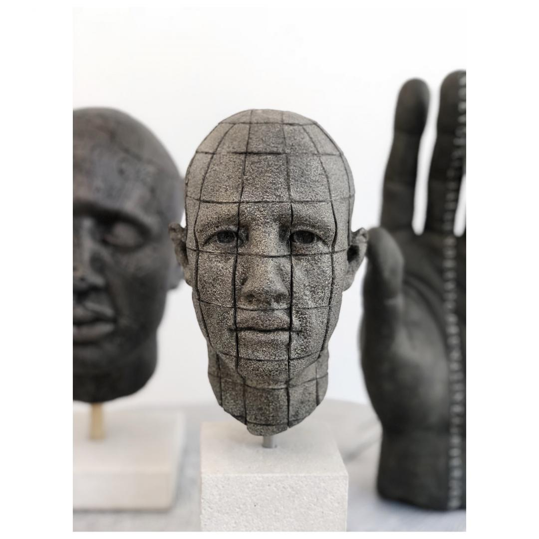 James Mathison, Cabeza pequena cuadricula, 2010, Bronze, 22 x 12,5 x 15,5 cm